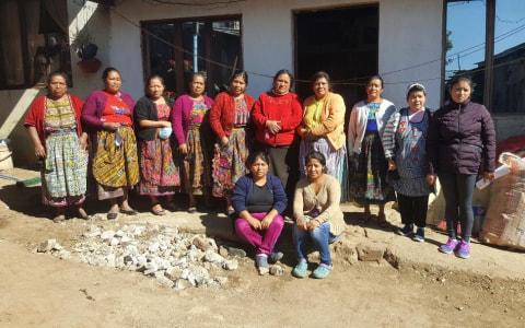 photo of Esfuerzo Femenino Flor De Azucena Group