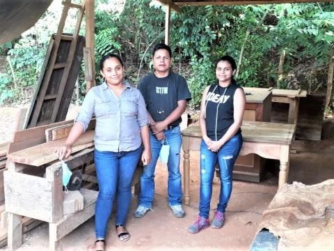photo of Una Luz En Tu Camino Group