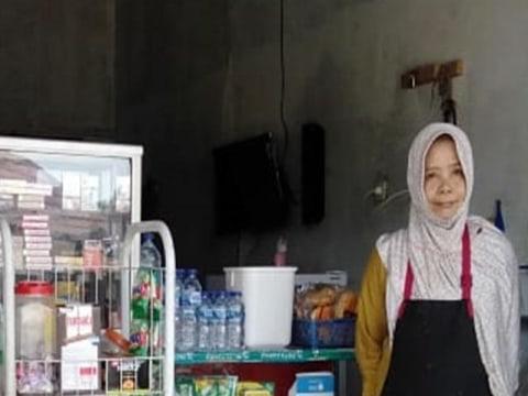 photo of Emulyati