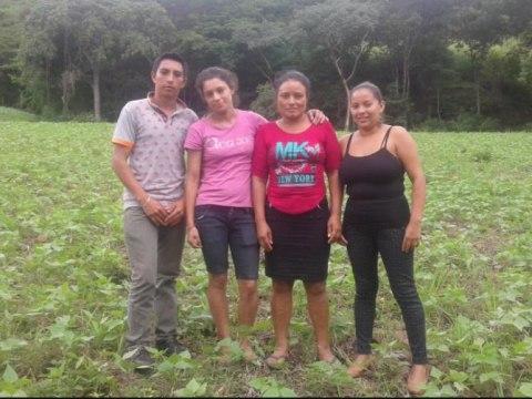 photo of Bendición De Dios Group