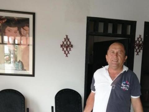 photo of Eduardo Manuel