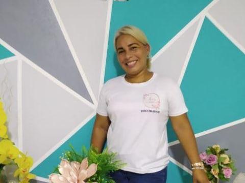 photo of Karine Isabel