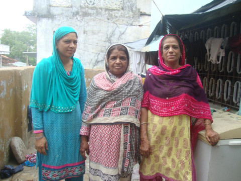 photo of Sultana And Group