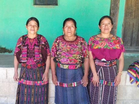 photo of Los Manzaneros De Chuabaj Group
