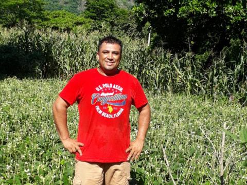 photo of Carlos Isaías