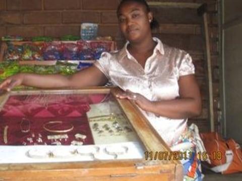 photo of Akouvi Ayodélé