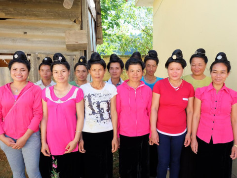 photo of Young And Beautiful Women (Nt 49) Group