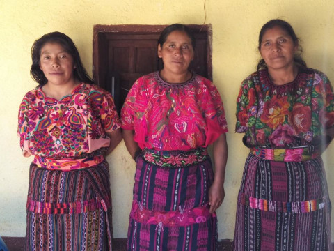 photo of Las Hermosas Tejedoras De Chuacalibal Ll Group