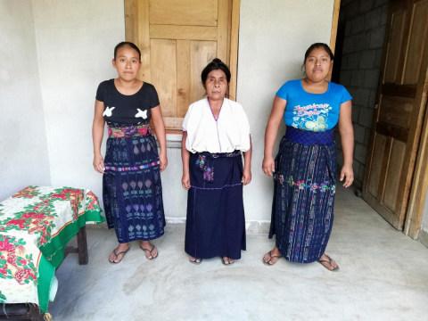 photo of Grupo Guineales Familia Group