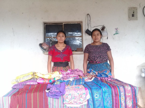 photo of Dúo Mujeres Comerciantes Group