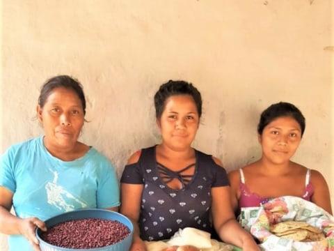photo of Las Tres Unidas Group