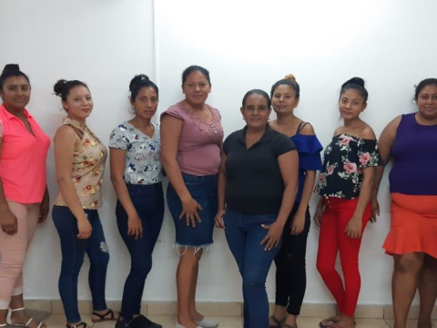 photo of Las 9 Rosas Group