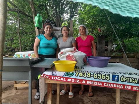 photo of Las Elizabeths Group