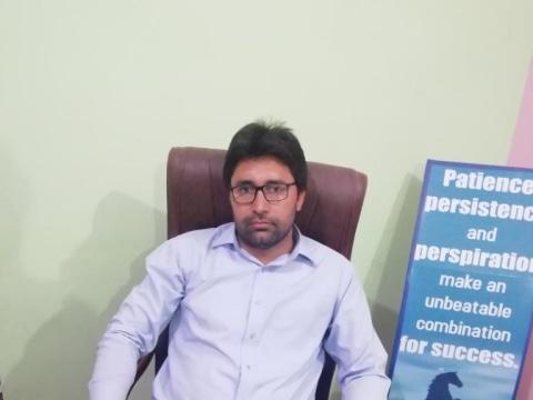 photo of Faiz