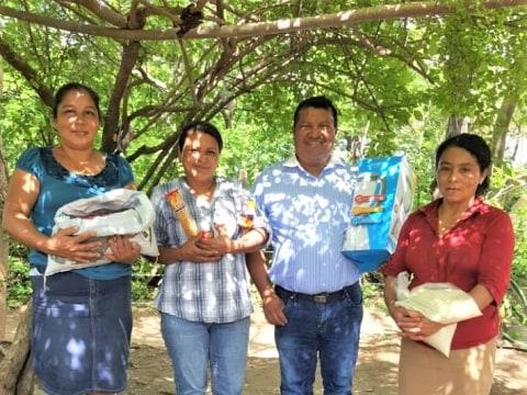 photo of La Felicidad De Uniles Group