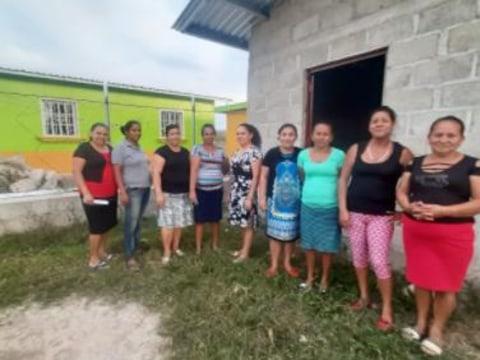 photo of La Esperanza Community-Owned Bank Group