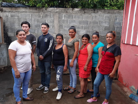 photo of Luchando Juntas Group