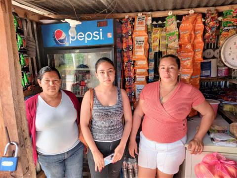photo of Las Guayabas Group