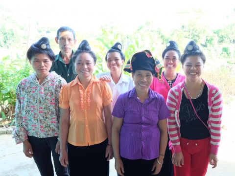 photo of He Muong 32 Group