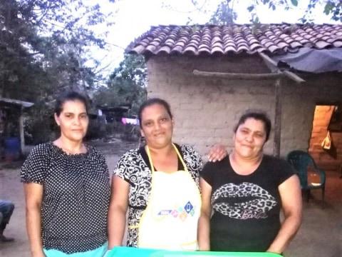 photo of Lluvia De Bendiciones Group