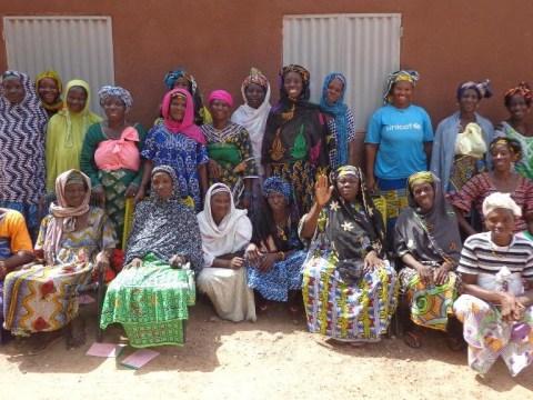 photo of Sinignesiki Group