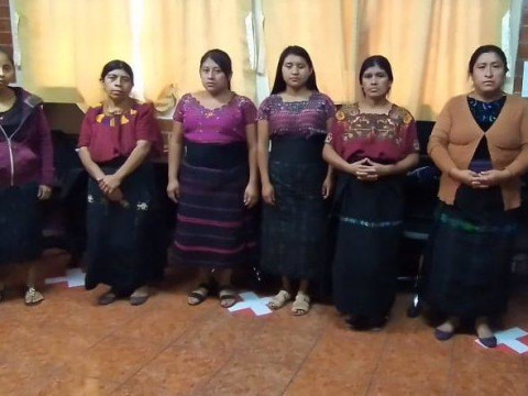 photo of Mujeres Lago Group