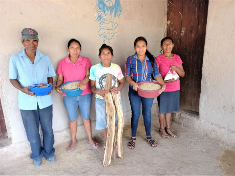 photo of Flores De La Grama Group