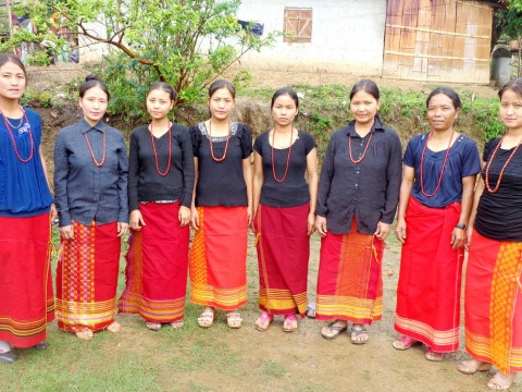 photo of Gamthum Lom Group