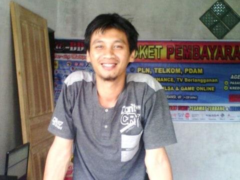 photo of Deni