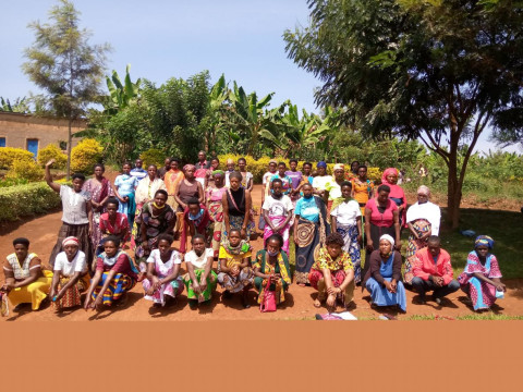 photo of Cyunuzi Cb Group