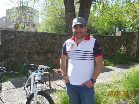 photo of Arshak
