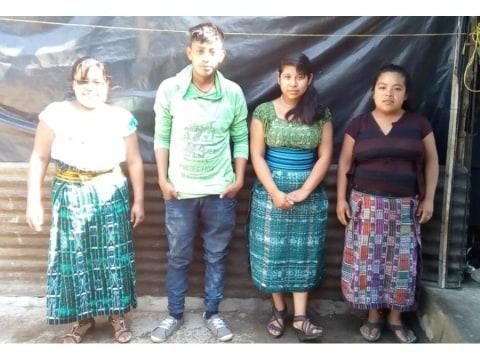 photo of Familia Del Barrio Dos Group