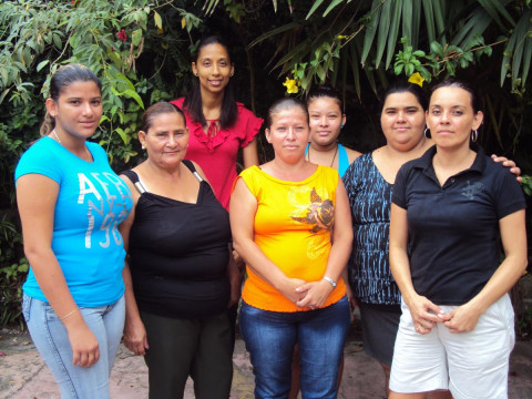 photo of Banco Mujer Pacuare Group