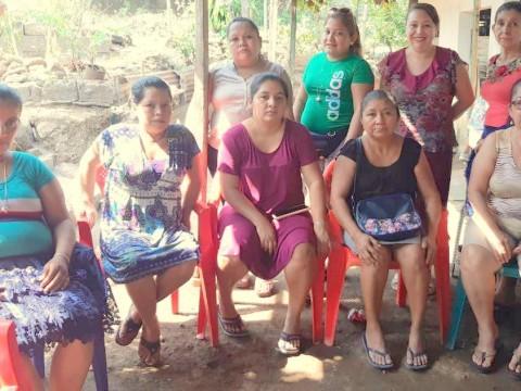 photo of Las Florecitas Triunfadoras Group
