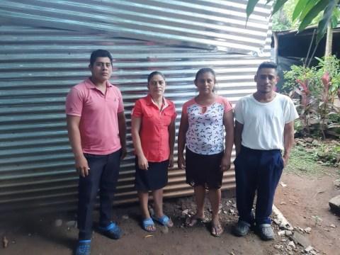photo of El Puentesito Group