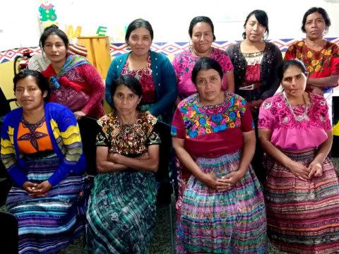 photo of Flores De Duraznos Group