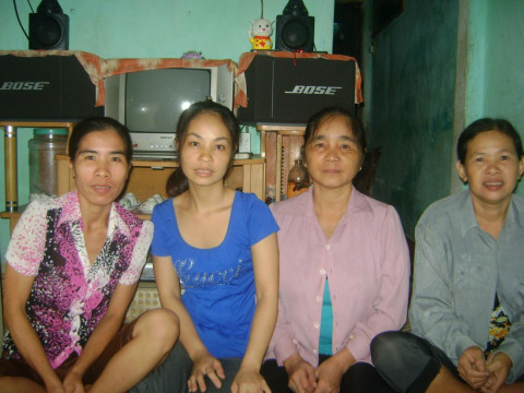 photo of 04-12-11-Nam Ngạn Group