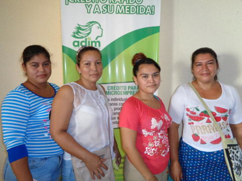 photo of Las Perlitas Group