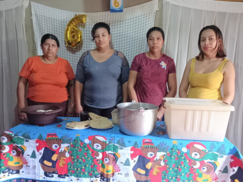 photo of Las Vencedoras Group