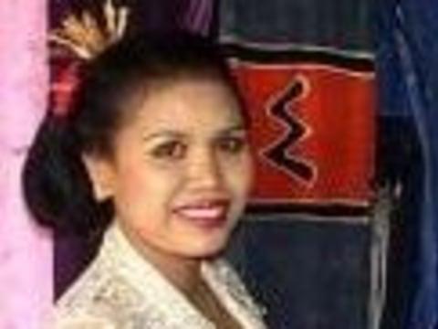 photo of Desak